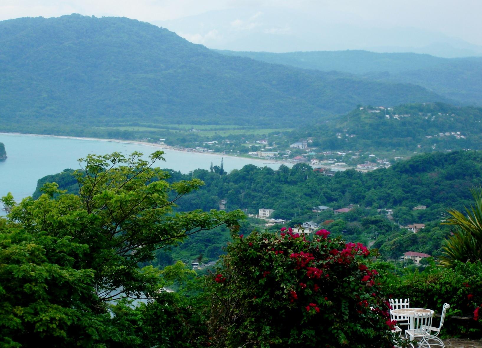 Панорама города Порт-Мария