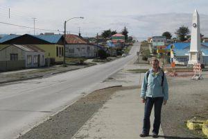 Турист на улицах города Порвенир