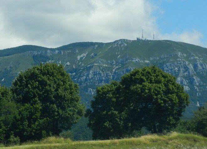 Гора Нанос