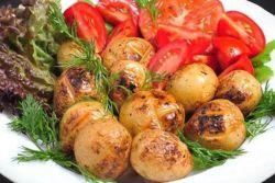 jak vařit brambory na grilu