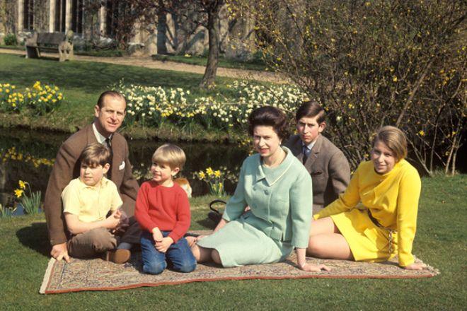 Королева и ее дети