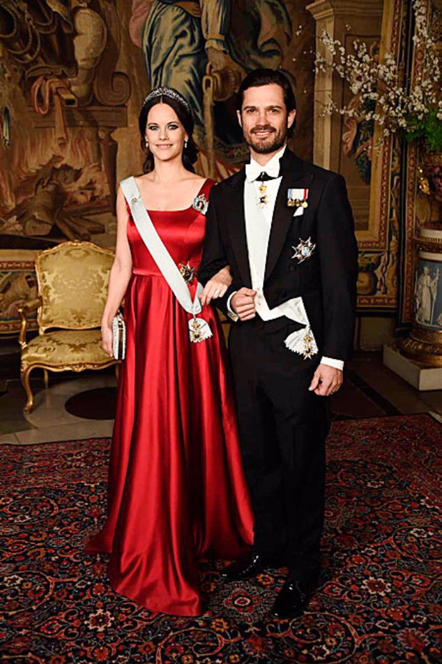 Карл Филипп и София пришли торжественный ужин в Королевском дворце Стокгольма