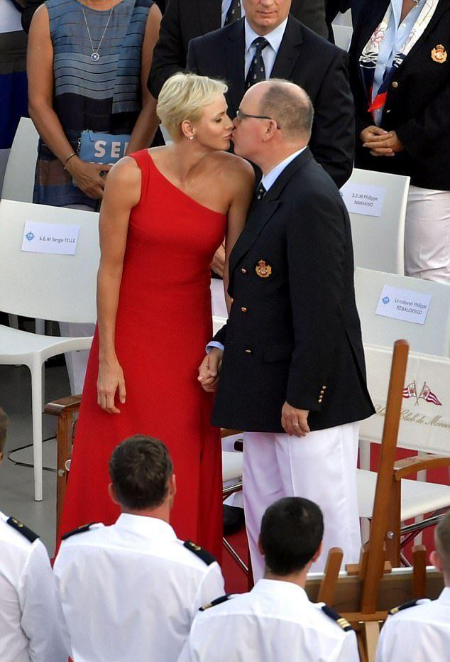 Князь Альбер II с супругой
