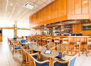 Kapetanios Bay бар