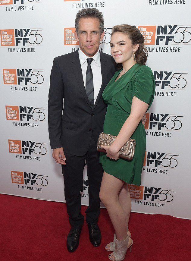 Бен Стиллер с дочерью Эллой Оливией на премьере картины