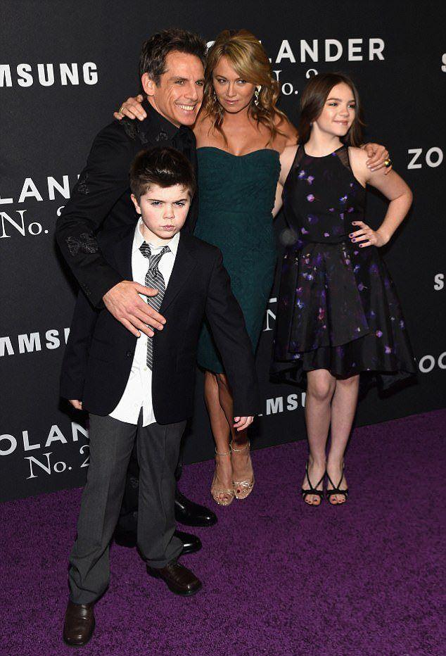 Бен Стиллер и Кристин Тейлор с детьми