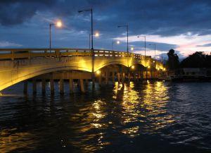 Пуэрто-Кортес ночью