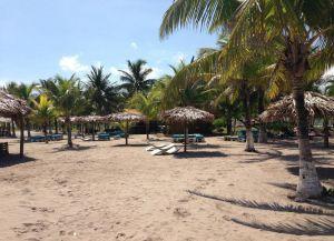 Песчаный пляж Пуэрто-Кортеса