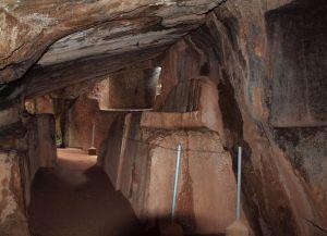В подземном тоннеле