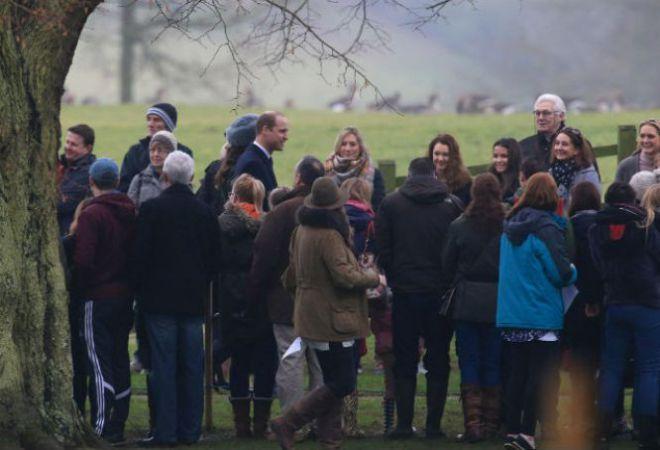 Кейт и Уильям общаются с прихожанами