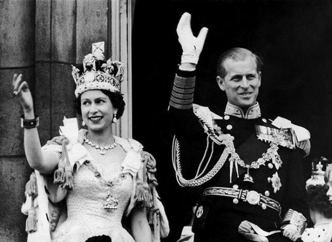 Королева Елизавета II с любимым мужем