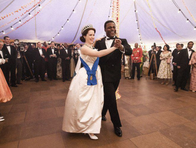 Дипломатические танцы королевы