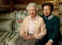 Елизавета II с дочерью Анной