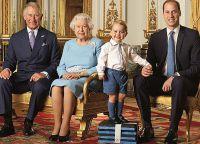 Принц Чарльз, королева Елизавета, принц Джордж и принц Уильям