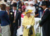 Королева с супругом на скачках Аскот-2016