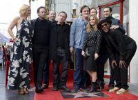 Обладатель двух «Оскаров» в окружении коллег и друзей