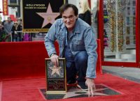 Будучи семилетним ребенком он часто гулял по звездам других знаменитостей