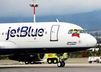Аэропорт Кито, самолёт идёт на взлёт