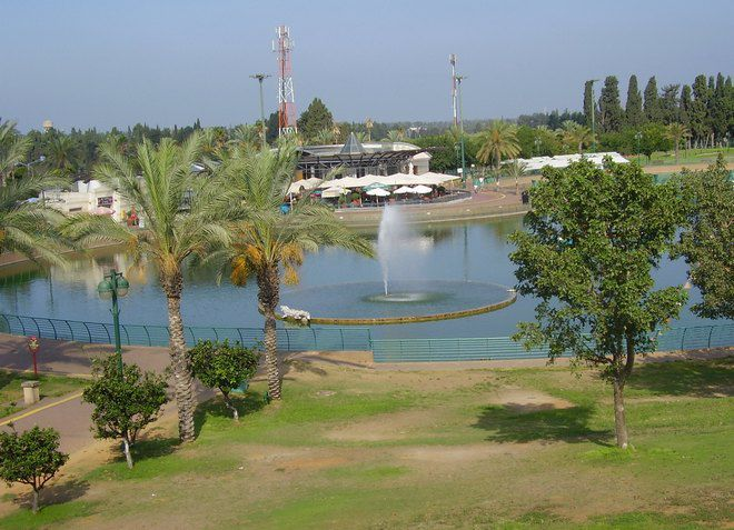 В Раанане имеются зеленые ухоженные парки