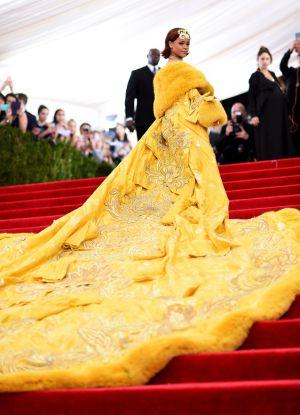 Obleka Rianna na Grammyju 2015 5
