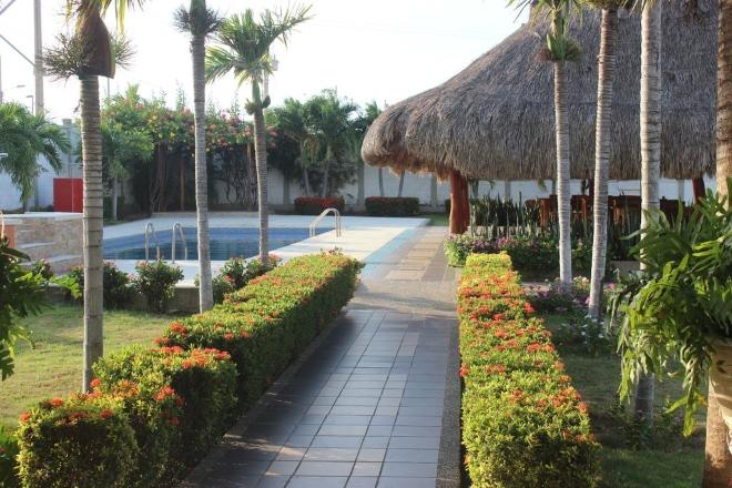 Территория отеля Hotel Emerawaa