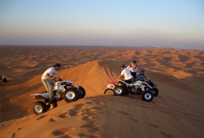 Катание на квадроциклах по пустыне