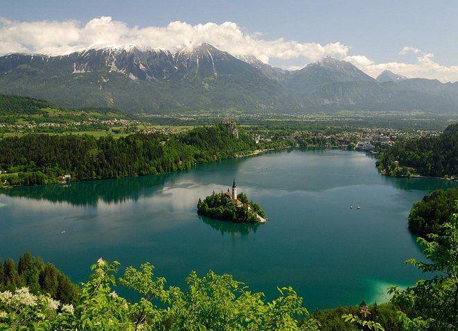 Озеро Блед, к которому организовываются экскурсии