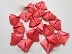 róże wykonane z tkaniny własnymi rękami43