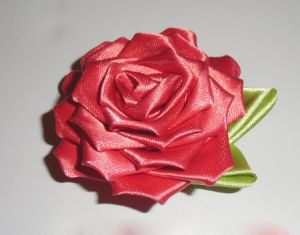 róże z tkaniny własnymi rękami56