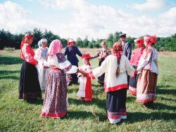 Руски народни играни округли плес