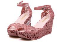 gumowe sandały4