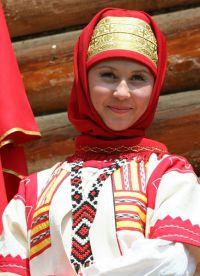 Ruski narodni nošnja 7