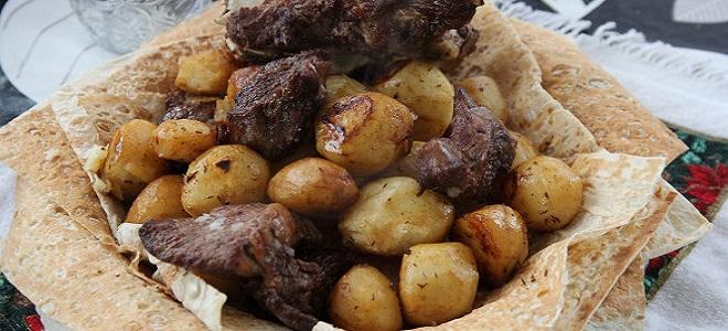 Земља кромпир са месом