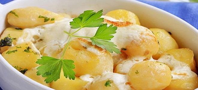 Država krumpira u kiseloj krem