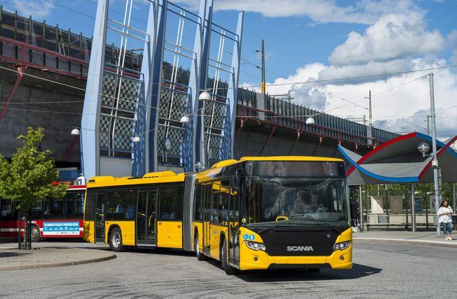Электрические автобусы Scania  на центральном вокзале Седертелье