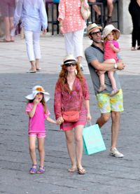 Саша и Айла с дочерьми