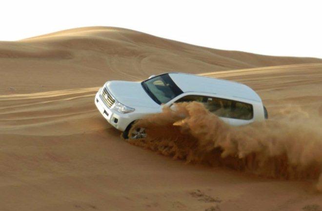 Скоростная езда по пустыне
