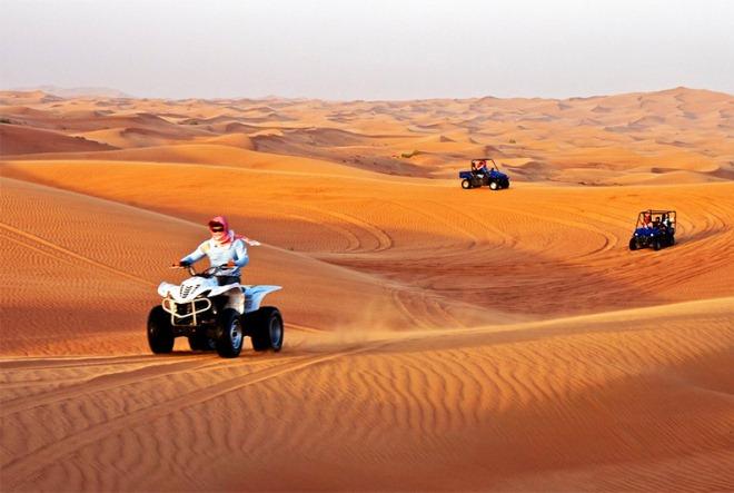 По пустыне на квадроциклах