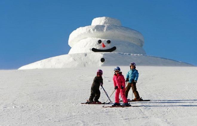 Снеговик на склоне