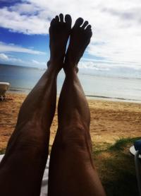 Ноги Мелани (снимок сделан во время отдыха на Гавайях)