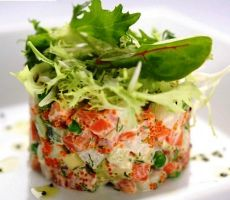 salata s lososom i gljivama
