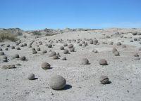 Каменные глыбы в Лунной долине