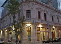 Здание в Сан-Тельмо
