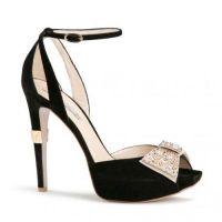Sandały ze szpilką 1