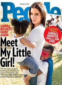 Сандра с 5-летним приемным сыном и 3-летней Лайлой на обложке People