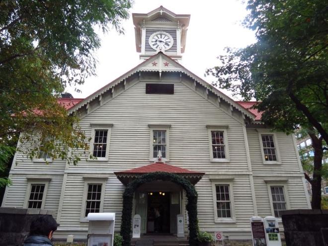 Часовая башня-символ города