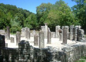 Древний город Фойнике