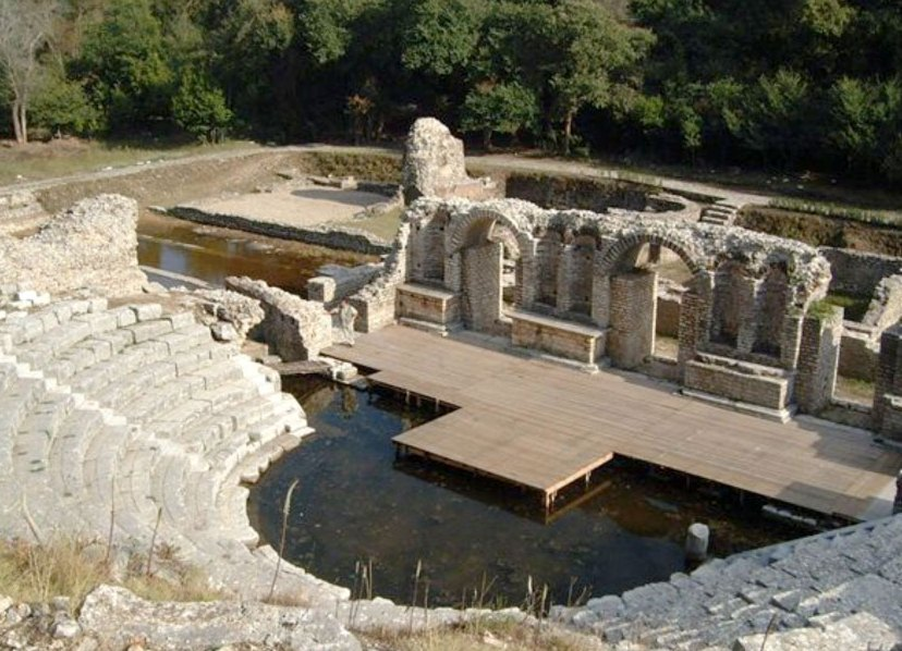 Руины Древнего города Бутринти