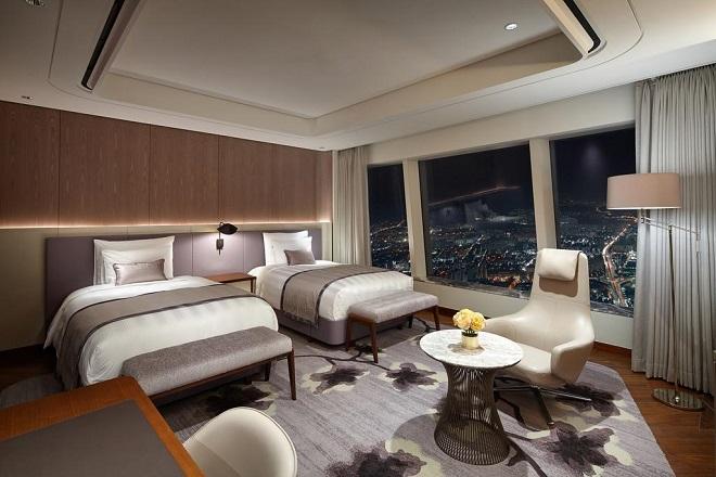 Номер в отеле Signiel Seoul