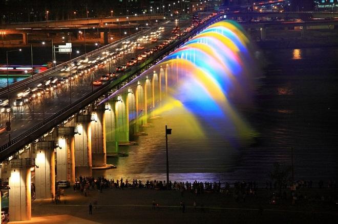 Мост фонтанов в Сеуле